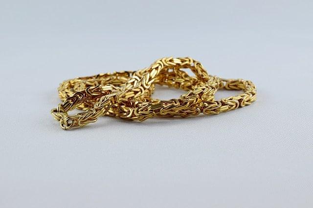 Guldkedja som kan sälja för guldets värde
